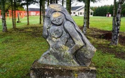 Invitation til arrangement: Vores stenskulpturpark er udvidet